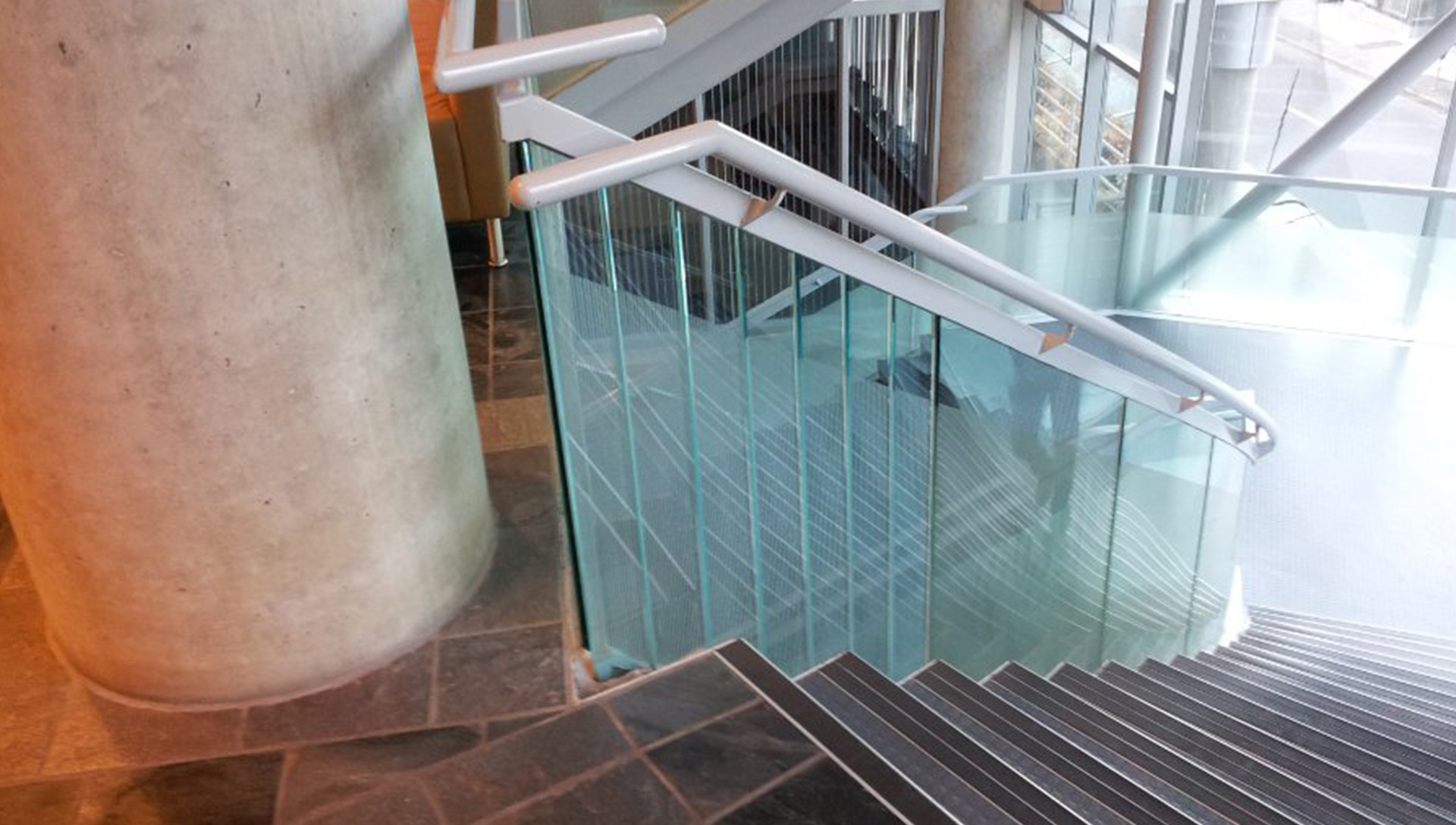 A Common Curved Glass Mistake Builders Make